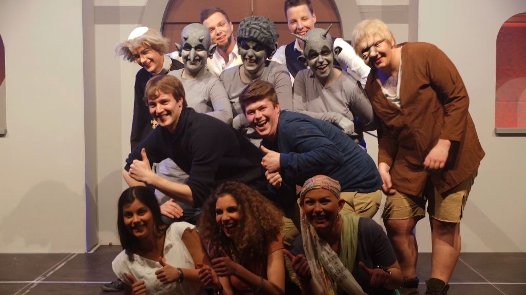 De cast van De Klokkenluider van de Notre Dame